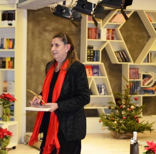 Аксиния Михайлова при получаване на наградата